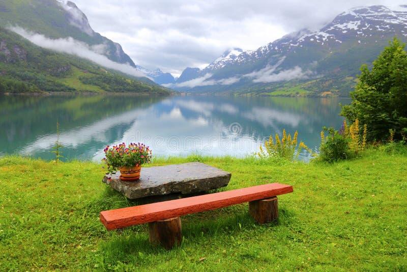 Paisaje sereno en Noruega fotos de archivo