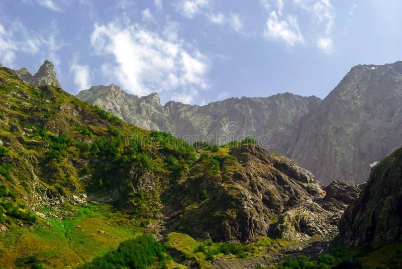 Paisaje subtropical de la montaña fotografía de archivo