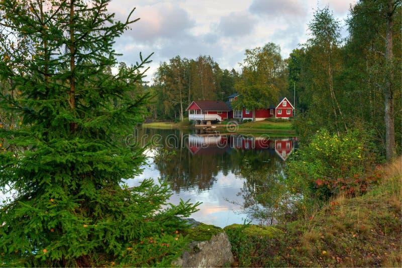 Paisaje típico de septiembre en Suecia imagen de archivo libre de regalías