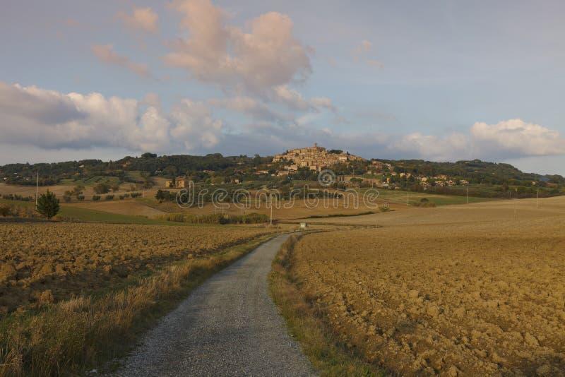 Paisaje típico de Toscana en otoño fotos de archivo libres de regalías