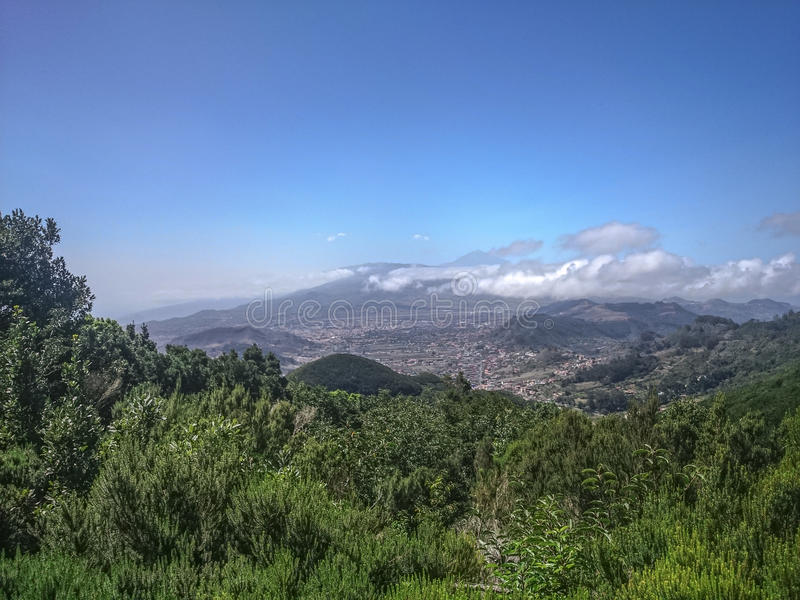 Paisaje Tenerife, opinión sobre el vulcano Teide fotos de archivo libres de regalías