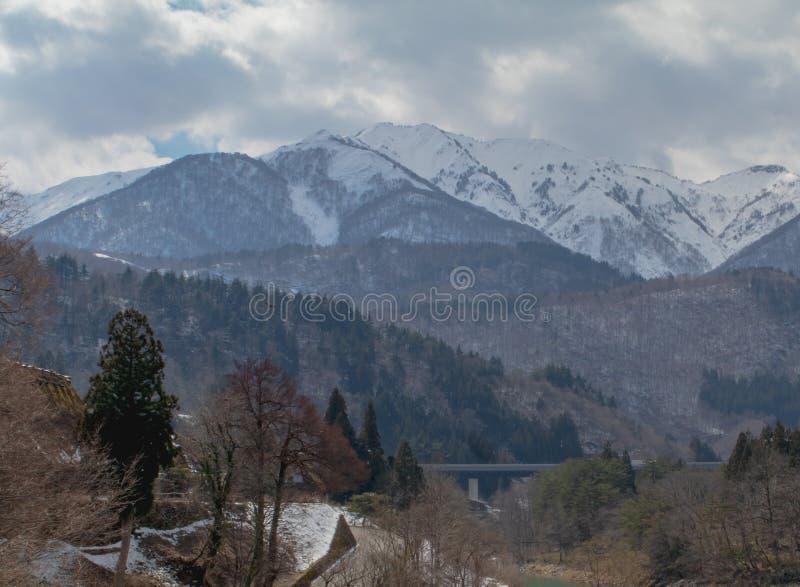 Paisaje tirado de montañas fotos de archivo libres de regalías