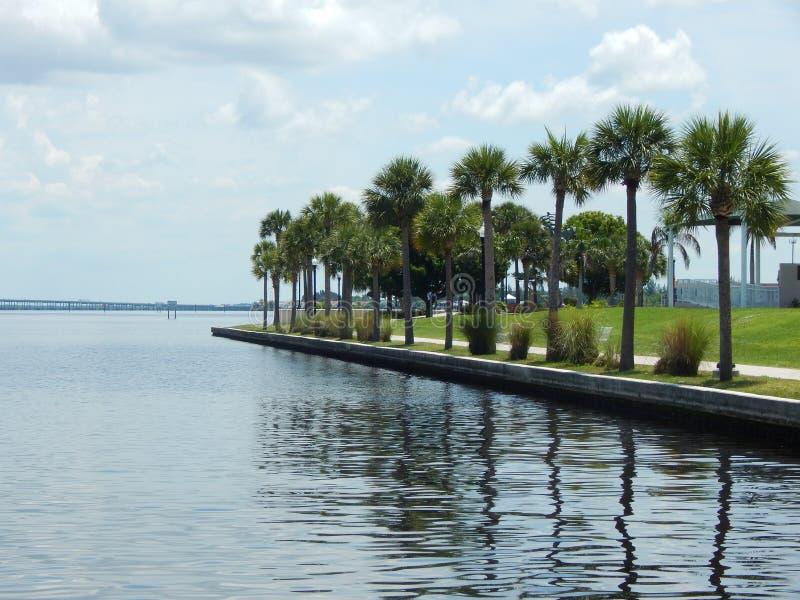 Download Paisaje tropical imagen de archivo. Imagen de puerto - 42427555