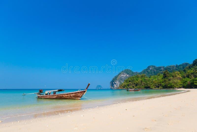 Paisaje tropical de Koh Mook imagenes de archivo