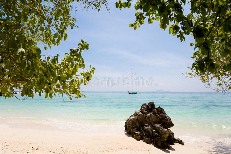 Paisaje tropical de Koh Poda imagen de archivo