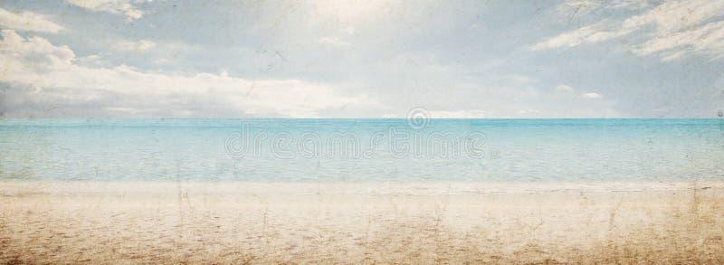 Paisaje tropical de la playa del vintage foto de archivo libre de regalías