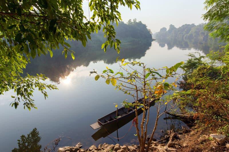Paisaje tropical pacífico del río fotografía de archivo libre de regalías
