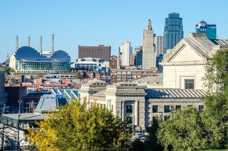 Paisaje urbano céntrico de Kansas City Missouri imagenes de archivo