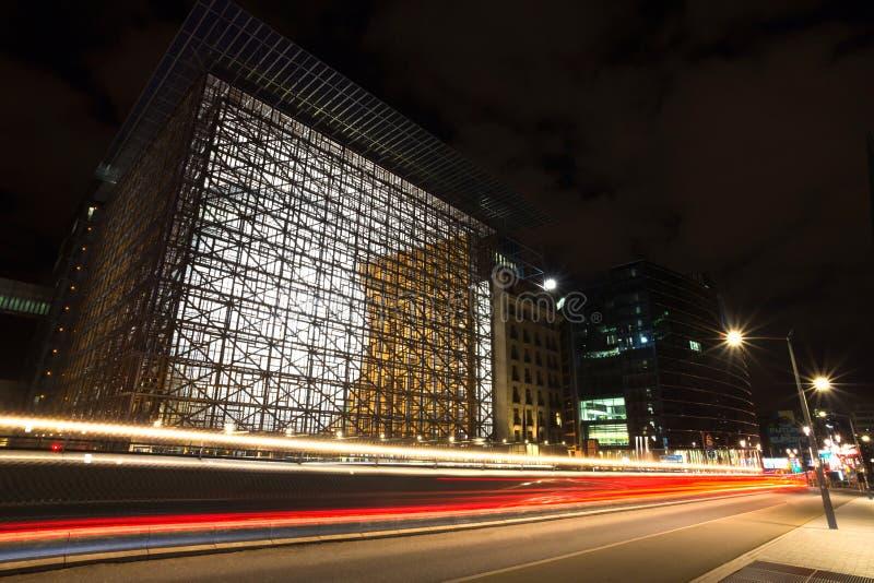 Paisaje urbano de Bruselas Bélgica en la noche imagenes de archivo