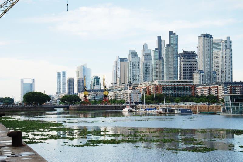 Paisaje urbano de Buenos Aires, capital de la Argentina fotografía de archivo