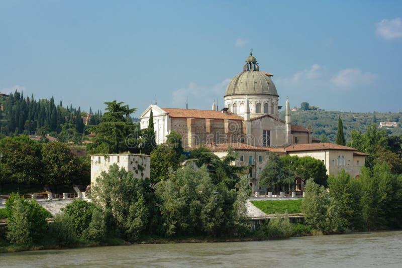 Paisaje urbano de centro histórico de Verona fotografía de archivo libre de regalías