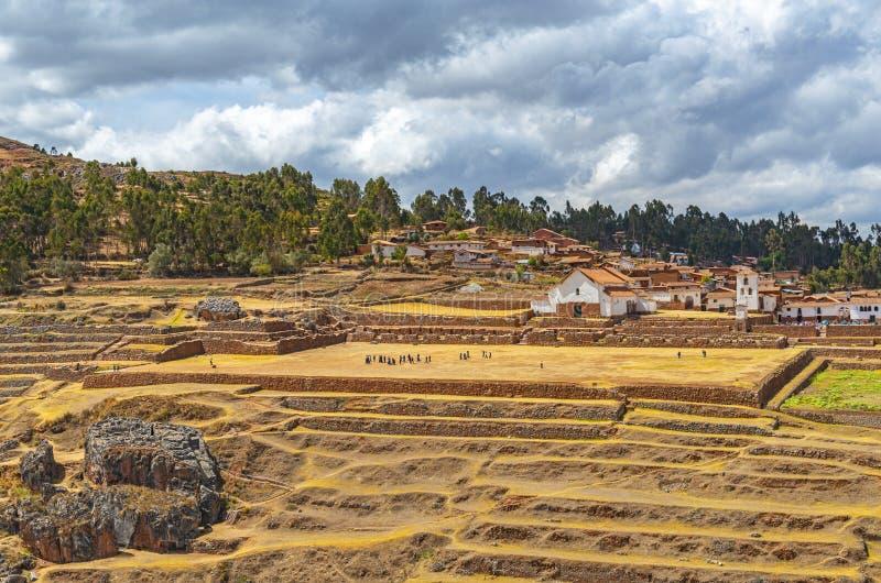 Paisaje urbano de Chinchero, región de Cusco, Perú fotos de archivo libres de regalías