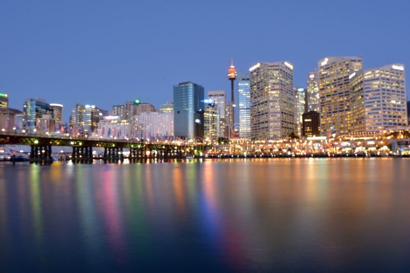 Paisaje urbano de Darling Harbour en la oscuridad Sydney New South Wales Aust fotografía de archivo