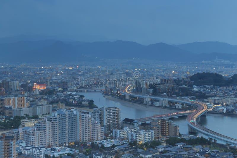 Paisaje urbano de Fukuoka, de Japón y edificios de oficinas imagenes de archivo