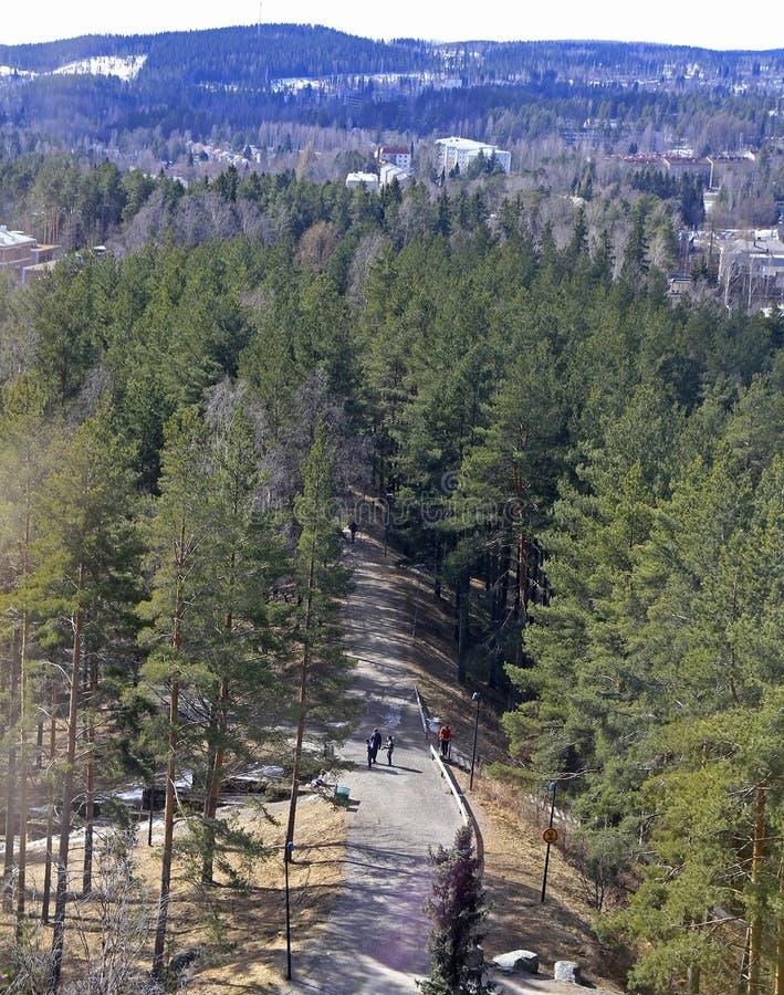 Paisaje urbano de Jyvaskyla, Finlandia desde arriba de la colina de Harju foto de archivo libre de regalías