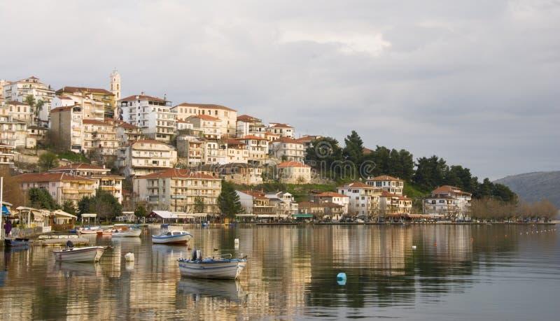 Paisaje urbano de Kastoria, Grecia fotografía de archivo