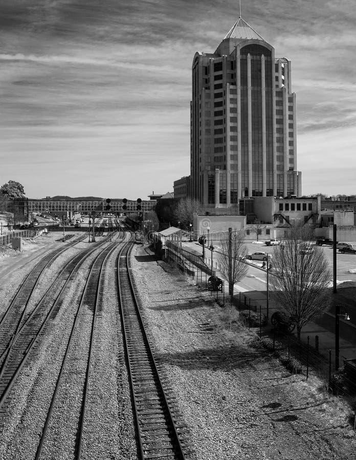Paisaje urbano de la ciudad céntrica de Roanoke, Virginia imagen de archivo