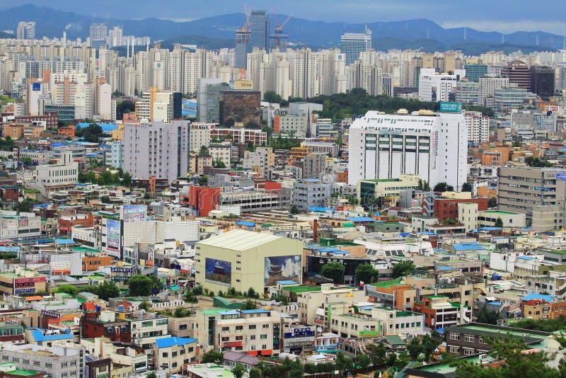 Paisaje urbano de la ciudad de Corea Suwon imagen de archivo