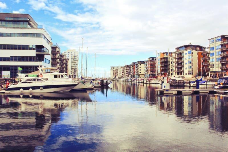 Paisaje urbano de la ciudad de Malmö, Suecia fotografía de archivo