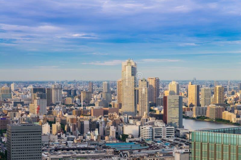 Paisaje urbano de la ciudad de Tokio, vista del rascacielos aéreo, estructura de la oficina fotografía de archivo libre de regalías