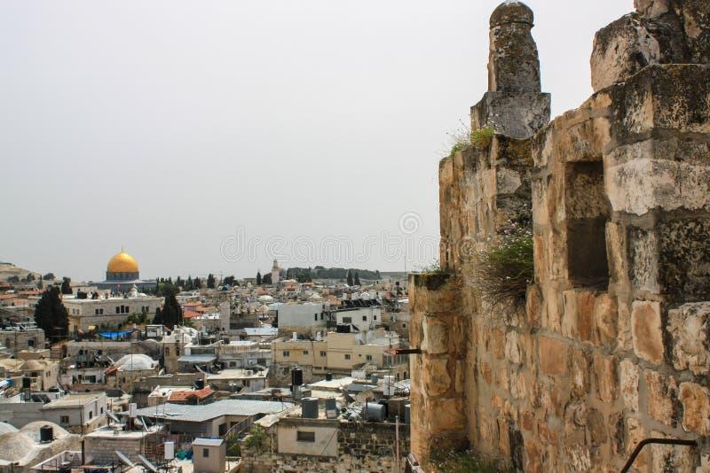 Paisaje urbano de la ciudad de Jerusalén con la Explanada de las Mezquitas fotografía de archivo libre de regalías