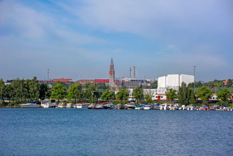 Paisaje urbano de la mañana del verano de Helsinki imágenes de archivo libres de regalías