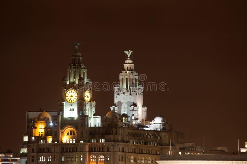 Paisaje urbano de la noche de Liverpool fotos de archivo