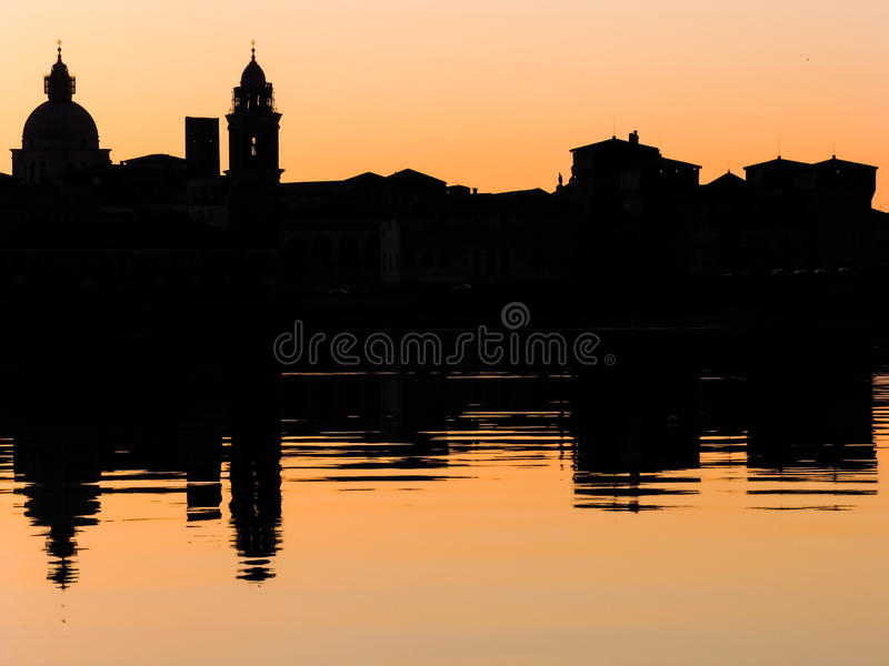 Paisaje urbano de Mantova foto de archivo