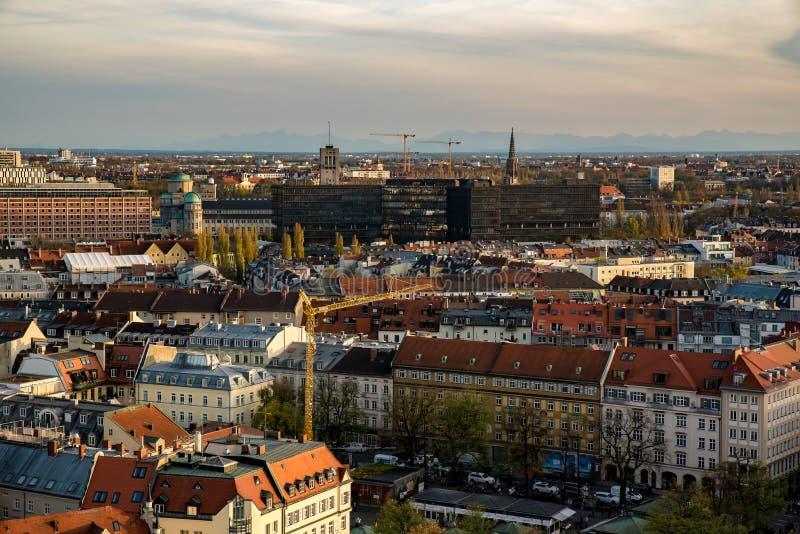 Paisaje urbano de Munich con objeto de la oficina de patentes fotografía de archivo libre de regalías