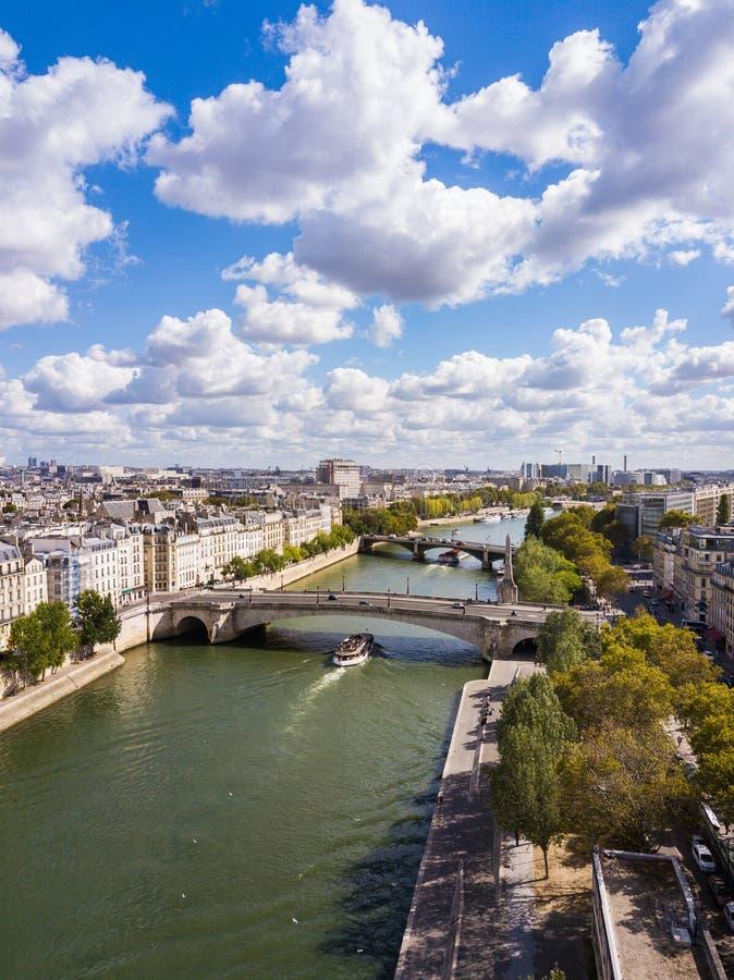 Paisaje urbano de París, Francia foto de archivo libre de regalías