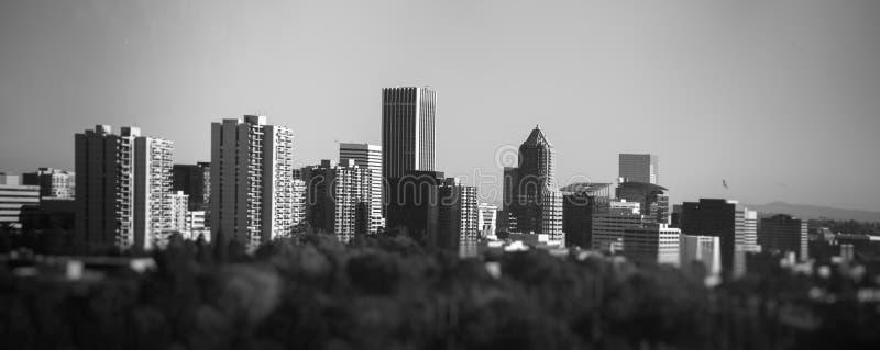 Paisaje urbano de Portland de la tranvía aérea imágenes de archivo libres de regalías