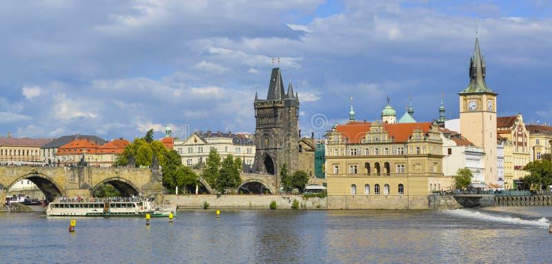 Paisaje urbano de Praga fotos de archivo