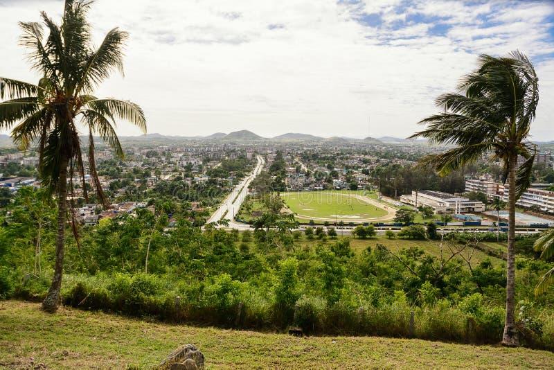 Paisaje urbano de Santa Clara Cuba imagenes de archivo