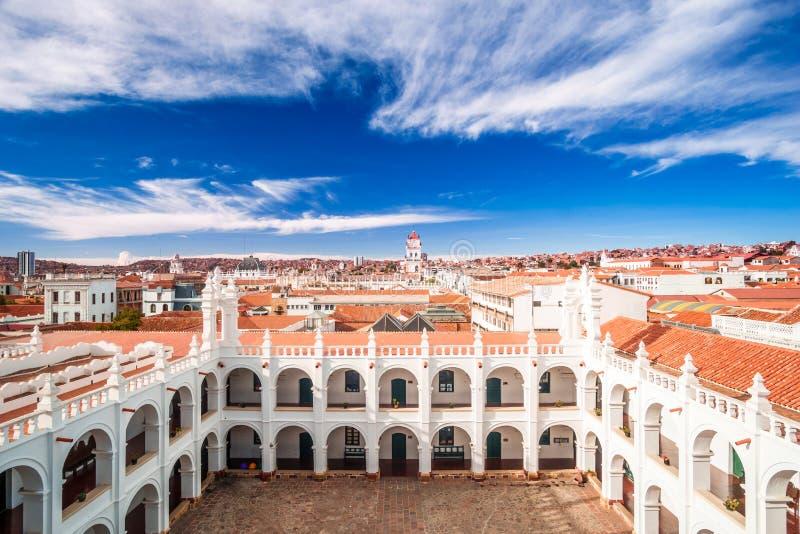Paisaje urbano de Sucre y de San Felipe Neri en Bolivia imagen de archivo libre de regalías
