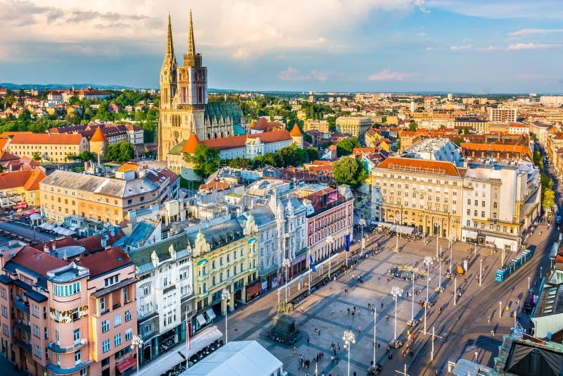 Paisaje urbano de Zagreb - visión aérea, Croacia fotos de archivo