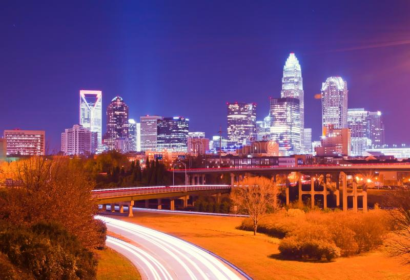 Paisaje urbano del uptown de Charlotte imagen de archivo