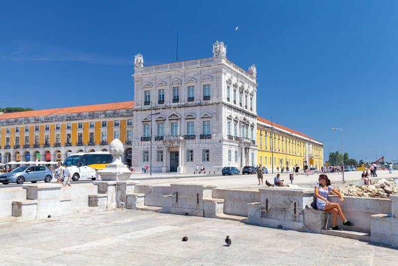 Paisaje urbano del verano de Lisboa imagenes de archivo