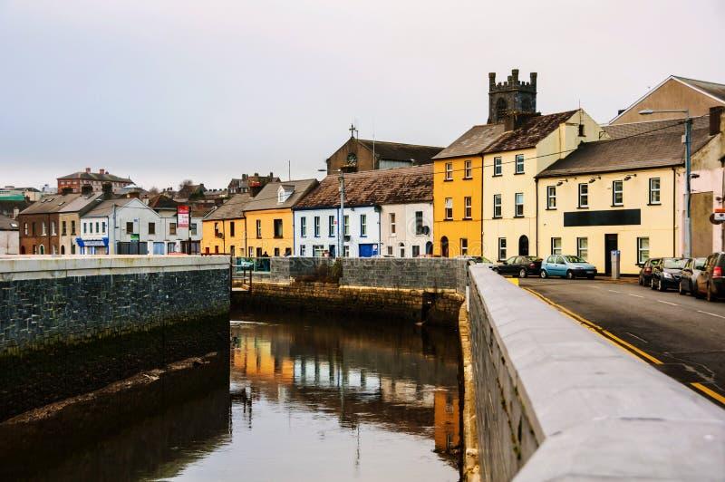 Paisaje urbano durante el día en Waterford, Irlanda fotos de archivo