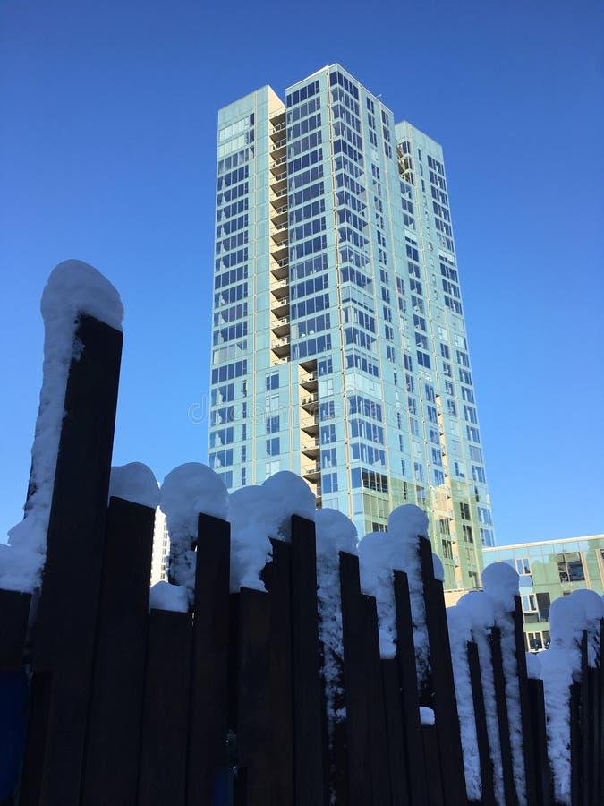 Paisaje urbano en la nieve fotografía de archivo