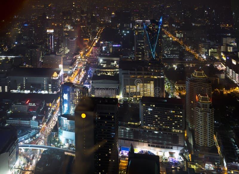 Paisaje urbano en la noche bangkok foto de archivo libre de regalías