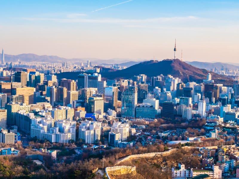 Paisaje urbano hermoso del edificio de la arquitectura en la ciudad de Seúl imagen de archivo libre de regalías