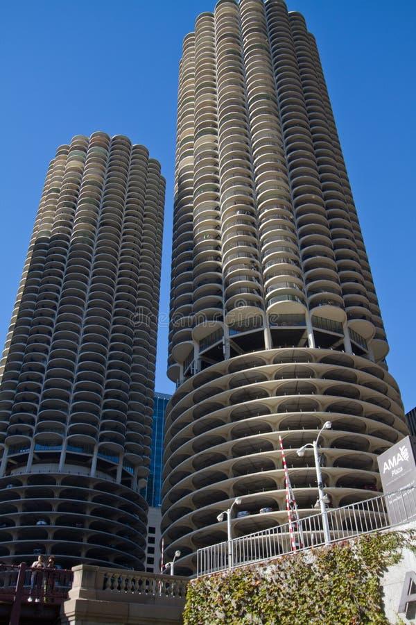 Paisaje urbano moderno y viejo de Chicago céntrica de los edificios imagenes de archivo
