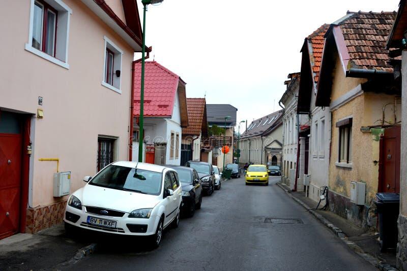 Paisaje urbano típico de la ciudad Brasov, Transilvania foto de archivo
