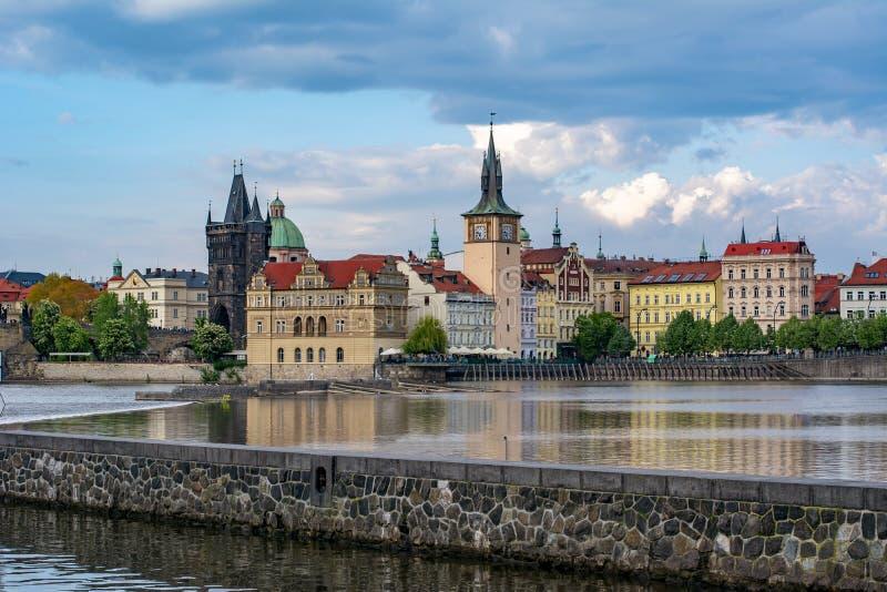 Paisaje urbano y arquitectura medieval, República Checa de Praga imágenes de archivo libres de regalías