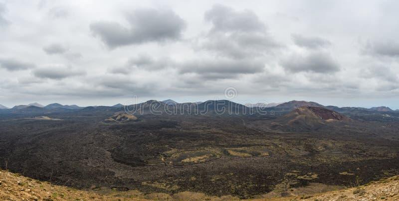 Paisaje volcánico, parque nacional de Timanfaya, Lanzarote, España imagen de archivo