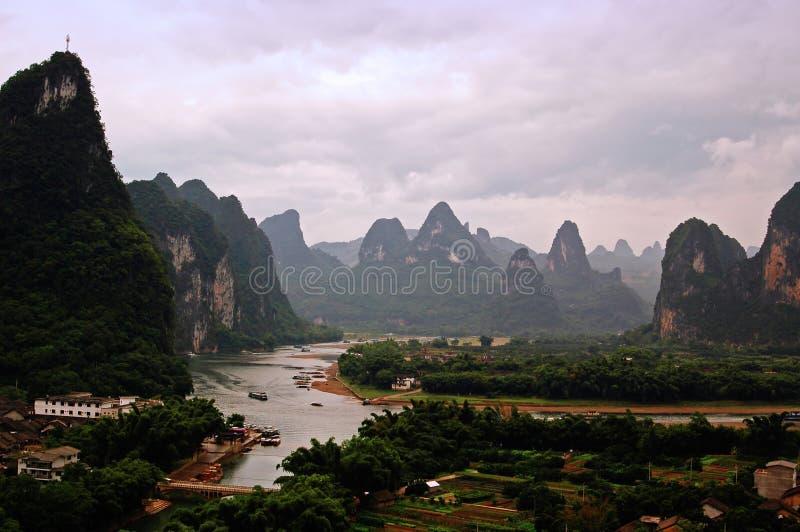 Download Paisajes de Guilin imagen de archivo. Imagen de reflejo - 7283611