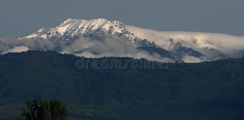 Paisajes de la montaña imagenes de archivo