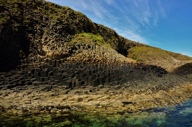 Paisajes escoceses - isla de Staffa foto de archivo libre de regalías