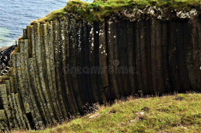 Paisajes escoceses - isla de Staffa imagenes de archivo