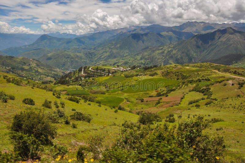Paisajes hermosos de Perú, cerca de Abancay imagen de archivo libre de regalías